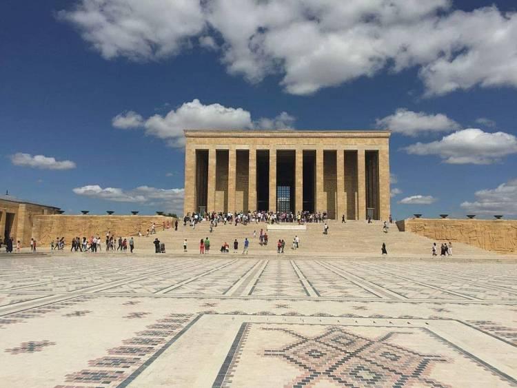 Учасники фестивалю відвідали мавзолей  Мустафи Кемаля Ататюрка