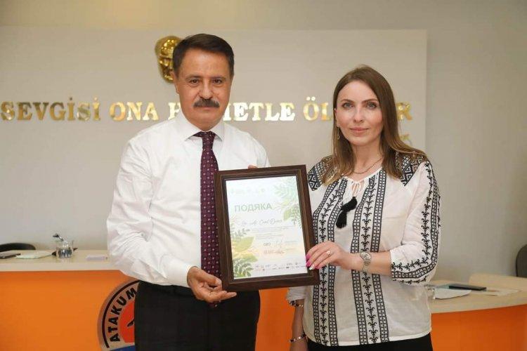 Людмила Шимко та представники громадських організацій м. Самсун зустрілися із Джемілем Девічі