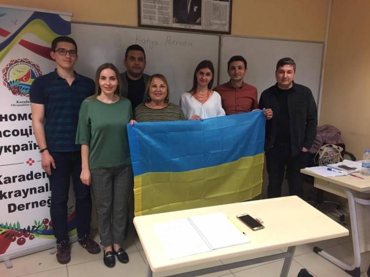 Відкриття курсів української мови в Самсуні!